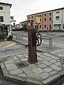Old manual pump in Crespino, Italy.jpg