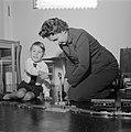 Opdrachten jongetje fam. J. A. Feeners Amsterdam, Bestanddeelnr 907-4858.jpg