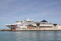 P&O Cruises Oceana 02 IMO 9169550 @chesi.JPG