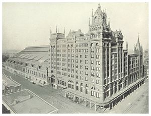 Broad Street Station (Philadelphia) - Broad Street Station, Philadelphia, in an 1890s-era photograph by William H. Rau. When completed in 1893, the expanded station was the largest passenger terminal in the world. The original 1881 section is at far right.