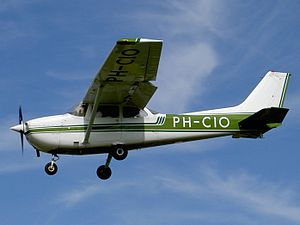 PH-CIO Bronkhorst Beheer B.V. Cessna F172N. Cessna F172N.JPG