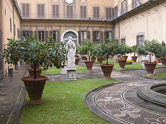 Walter Savage Landor - Inner courtyard of Palazzo Medici-Riccardi