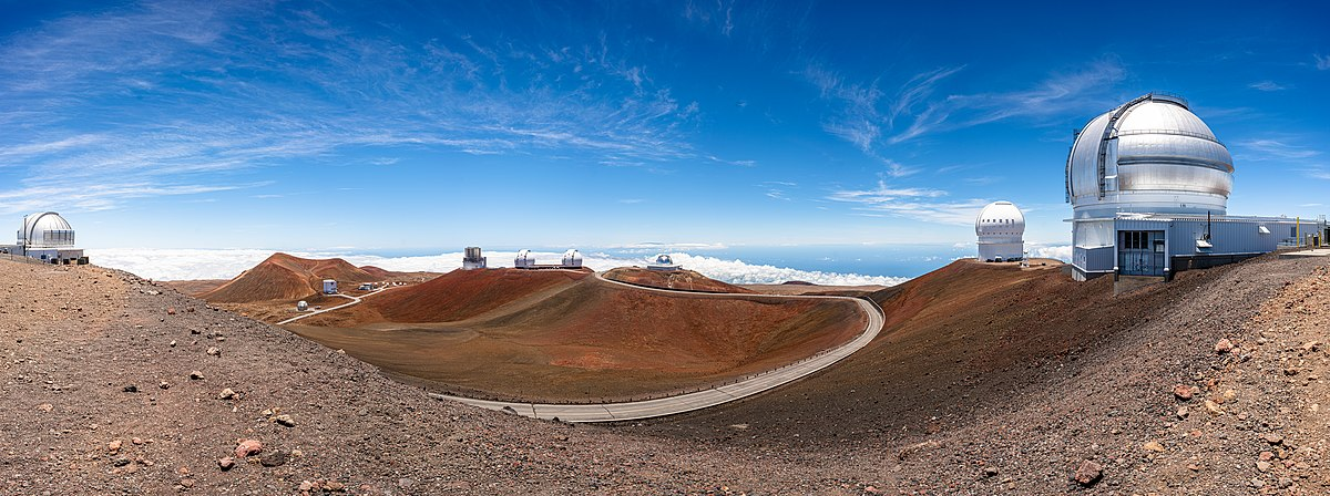 Panoroma of Mauna Kea Observatories.jpg