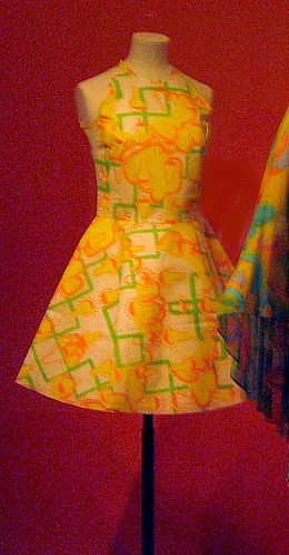 f18ed6f22e812 Paper dress by Sylvia Ayton and Zandra Rhodes (1966)