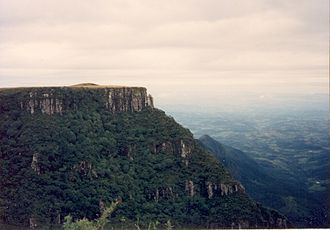 Paraná and Etendeka traps - A cliff at the Paraná Magmatic Province. Rio do Rastro, Santa Catarina. One can see the near vertical escarpment of silicic succession from waning-stage volcanism.