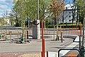Parken ved Lilleaker stasjon med monument tilegnet Jacob Vaage.jpg