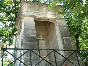 Gaspard Monge's mausoleum - Image: Perelachaise Monge p 1000359