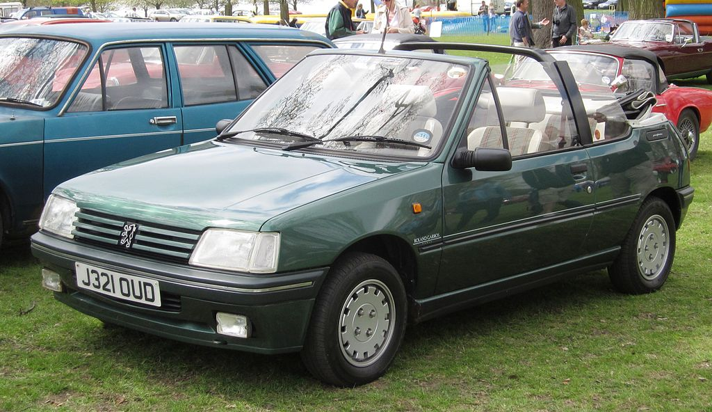 file peugeot 205 cabrio first reg jan 1992 wikimedia commons. Black Bedroom Furniture Sets. Home Design Ideas