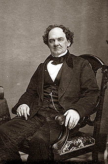 http://upload.wikimedia.org/wikipedia/commons/thumb/d/d4/Phineas_Taylor_Barnum.jpg/220px-Phineas_Taylor_Barnum.jpg