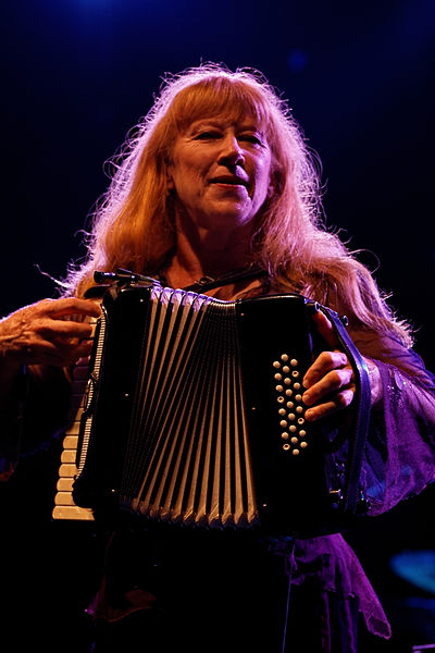 Picture of a band or musician: Loreena McKennitt