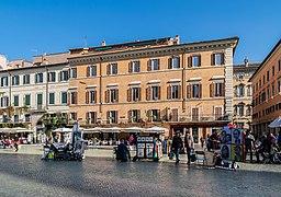 Piazza Navona 75-84 in Rome (1).jpg