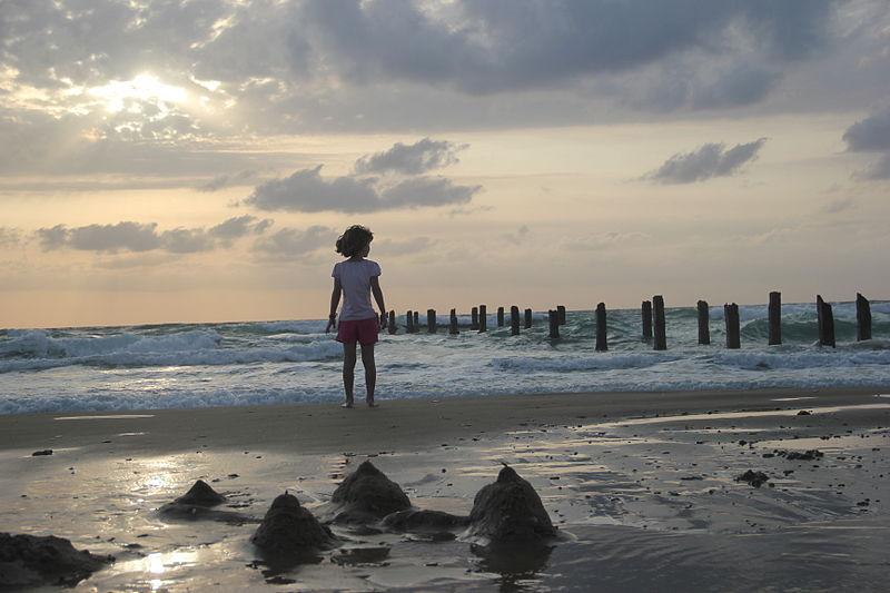 שקיעה בחוף ינאי