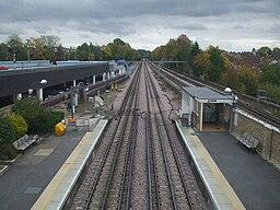 Pinner station high eastbound