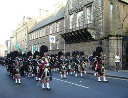 Pipe band in the Canongate, Edinburgh.jpg