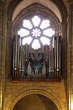 Pipe organ and rose window - Sé do Porto.JPG
