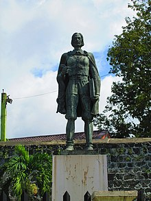 Plaza Independencia, Cebu City - Antonio Pigafetta Monument 2.jpg