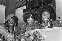 Pointer Sisters aangekomen op Schiphol voor optreden in Nederland de Pointer Si, Bestanddeelnr 927-4783.jpg