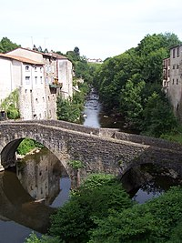 Pont du Diable à Olliergues.jpg