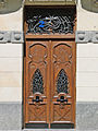Porte dun immeuble art nouveau (Bilbao) (3452404607).jpg