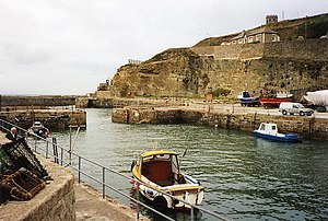 Portreath - Image: Portreath, inner harbour geograph.org.uk 108387