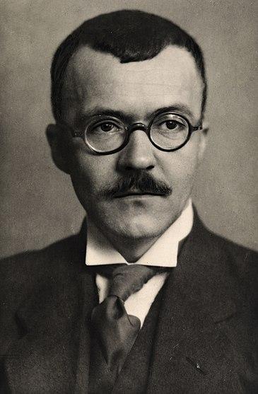 File:Portrett av Arnulf Øverland.jpg