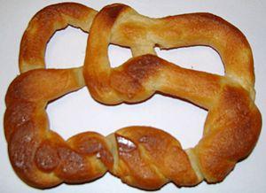 Pretzel link - Edible (−2,3,7) pretzel knot