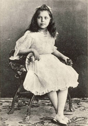 Princess Elisabeth of Hesse and by Rhine (1895–1903) - Image: Princesa Isabel de Hesse, 1903
