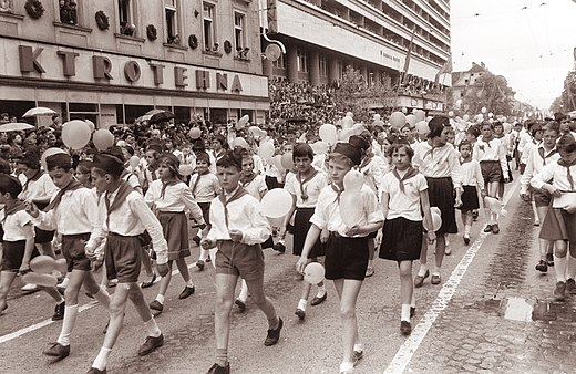http://hrvatskifokus-2021.ga/wp-content/uploads/2017/09/520px-Prvomajski_sprevod_v_Ljubljani_1961_36.jpg