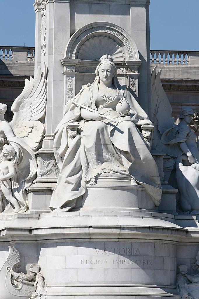 И памятники ей стоят от индии до канады и от британии до гайаны