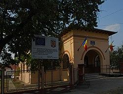 RO BZ Stalpu town hall.jpg