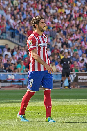 Raúl García (footballer) - García playing with Atlético Madrid in 2013