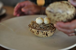 Quail eggs - Image: Restaurant Noma Syltede og røgede vagtelæg (4959763438)