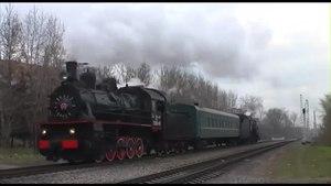 File:Retro-train Moscow Eu-683-89 + L-3653 20131102.webm