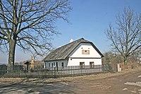 Rodný domek bratranců Veverkových v Rybitví.jpg