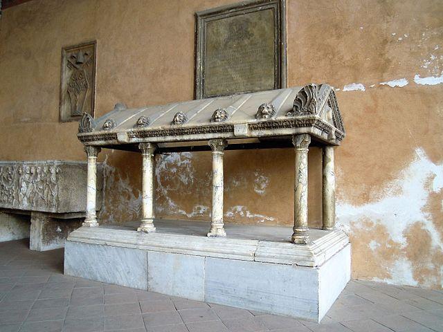 https://upload.wikimedia.org/wikipedia/commons/thumb/d/d4/Roma_-_basilica_S._Lorenzo%2C_portico_1.JPG/640px-Roma_-_basilica_S._Lorenzo%2C_portico_1.JPG
