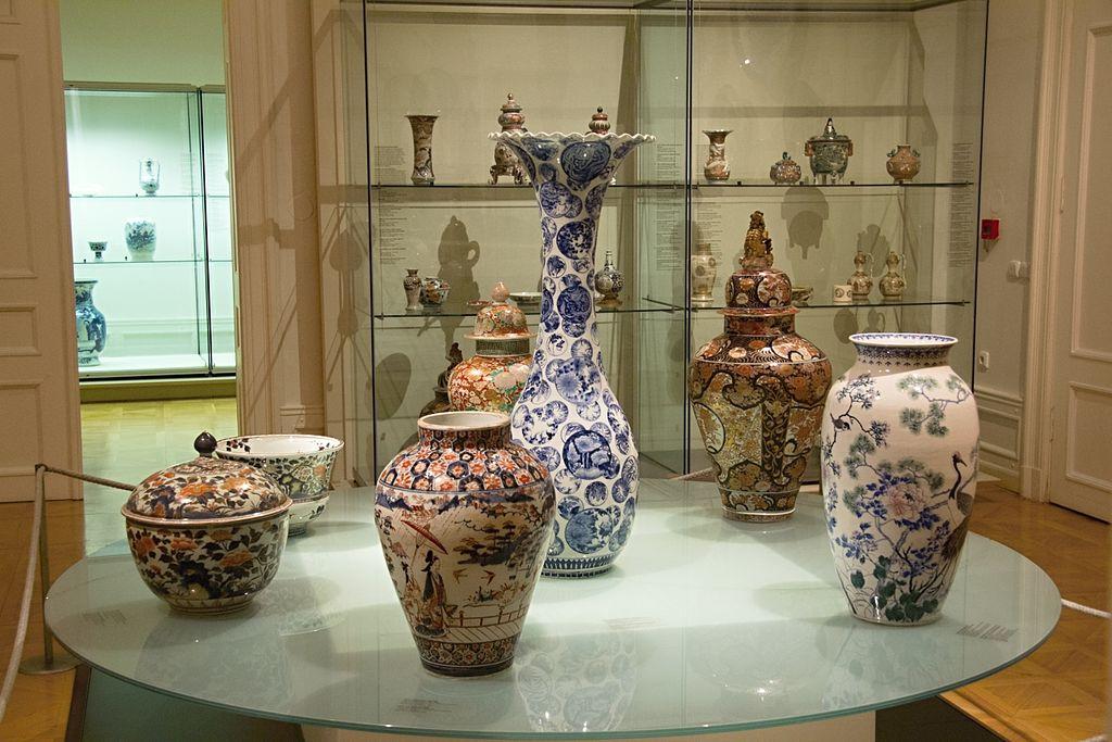 Céramique japonaise au musée Kinsky à Prague. Photo de Zde.