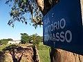 Rua Vitório Toniasso com destaque para a placa com o nome da rua - panoramio.jpg