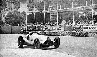 1937 Monaco Grand Prix - Image: Rudolf Caracciola au Grand Prix de Monaco 1937