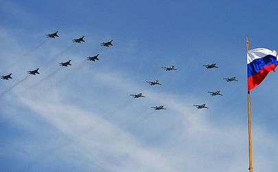 "Russian Air Force aircraft spell out ""70"".jpg"