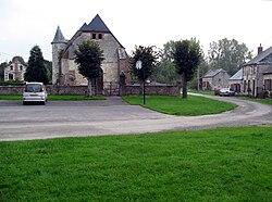Séchelles église fortifiée 1.jpg