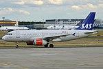 SAS, OY-KBT, Airbus A319-131 (20327735506).jpg