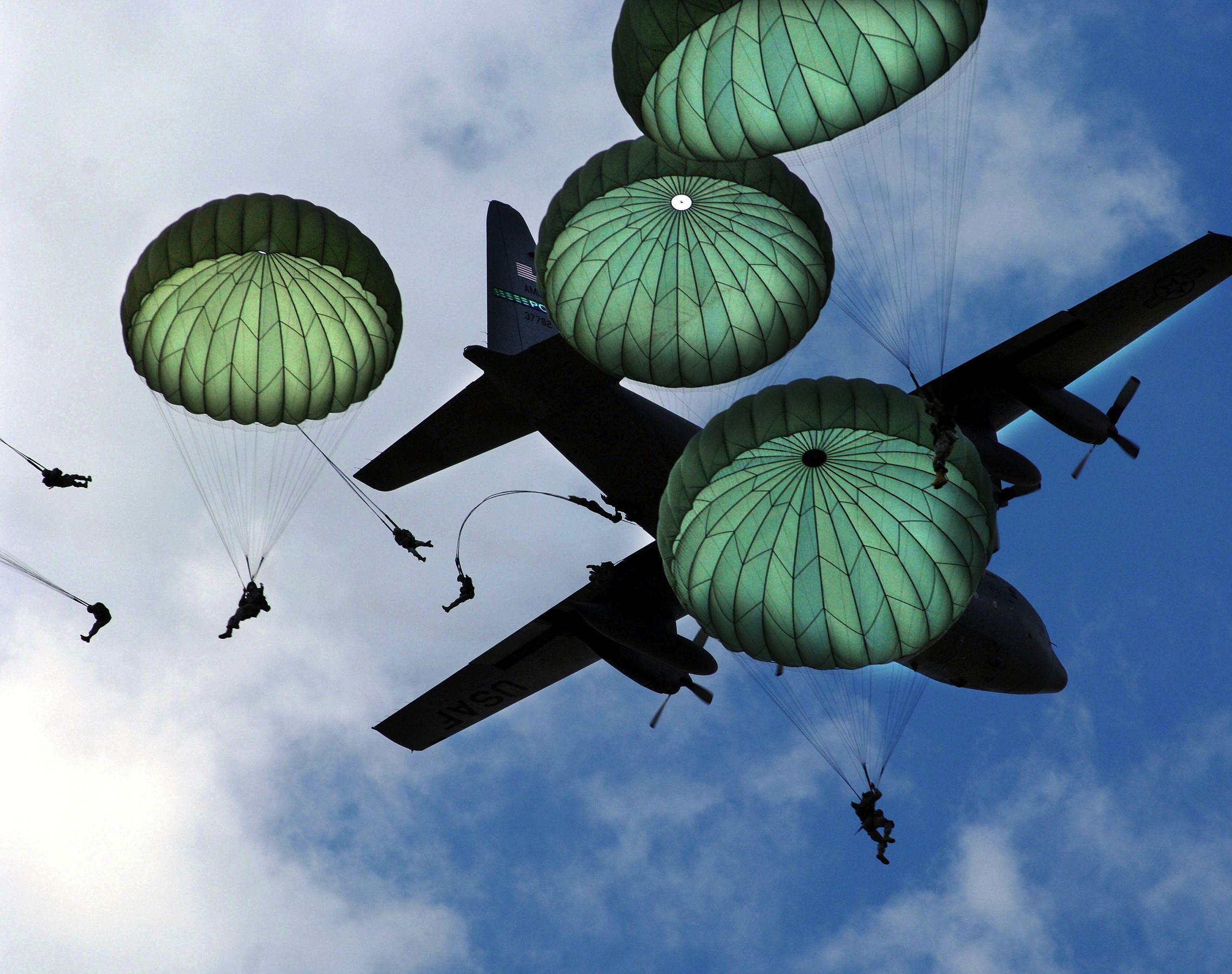 round military parachutes
