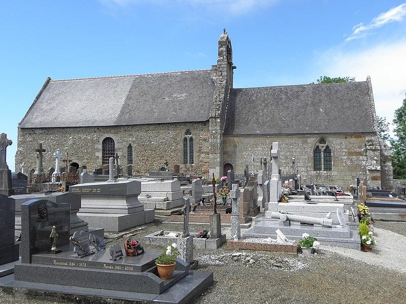 Extérieur de l'église Saint-Georges de Saint-Georges-de-Gréhaigne (35). Façade méridionale.