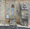 Saint-Macoux 86 Église porte latérale&contrefort 2013.jpg