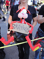 File:San Diego Comic-Con 2011 - Zombie Walk - Bill the Cat wants braynz - ACK! (6004551860).jpg