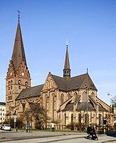 Fil:Sankt Petri kyrka, Malmö, mars 2015.jpg