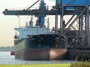 Santa Markela - IMO 8811792 - Callsign A8IB7 p2, Port of Rotterdam, Holland 19-Nov-2005.jpg