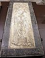 Scavi di santa reparata sotto il duomo di firenze, lastra tombale di messer seruchero da pisa, 1363.JPG