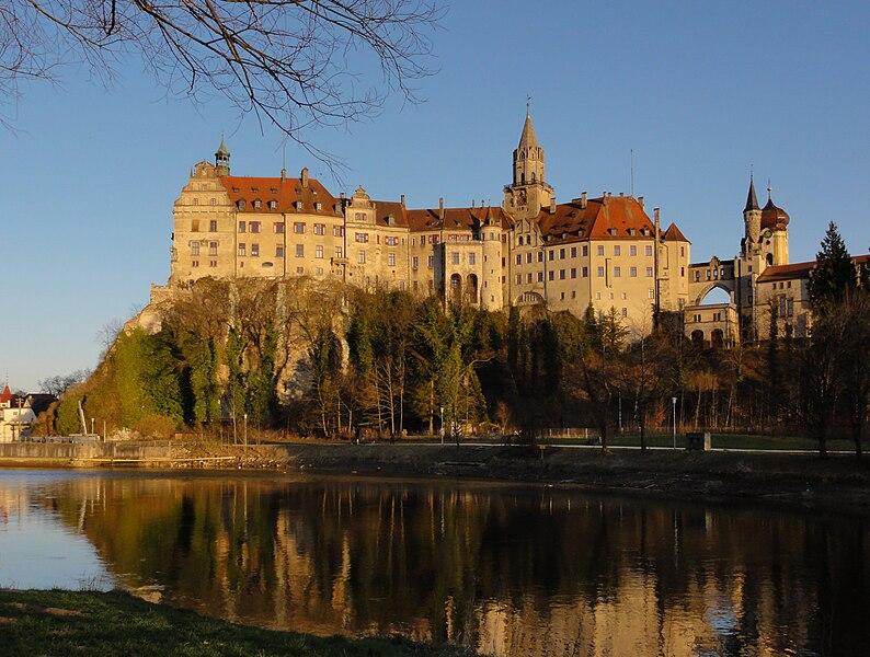 Datei:Schloss Sigmaringen NW.jpg
