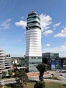 Schwechat - Flughafen, Tower.JPG